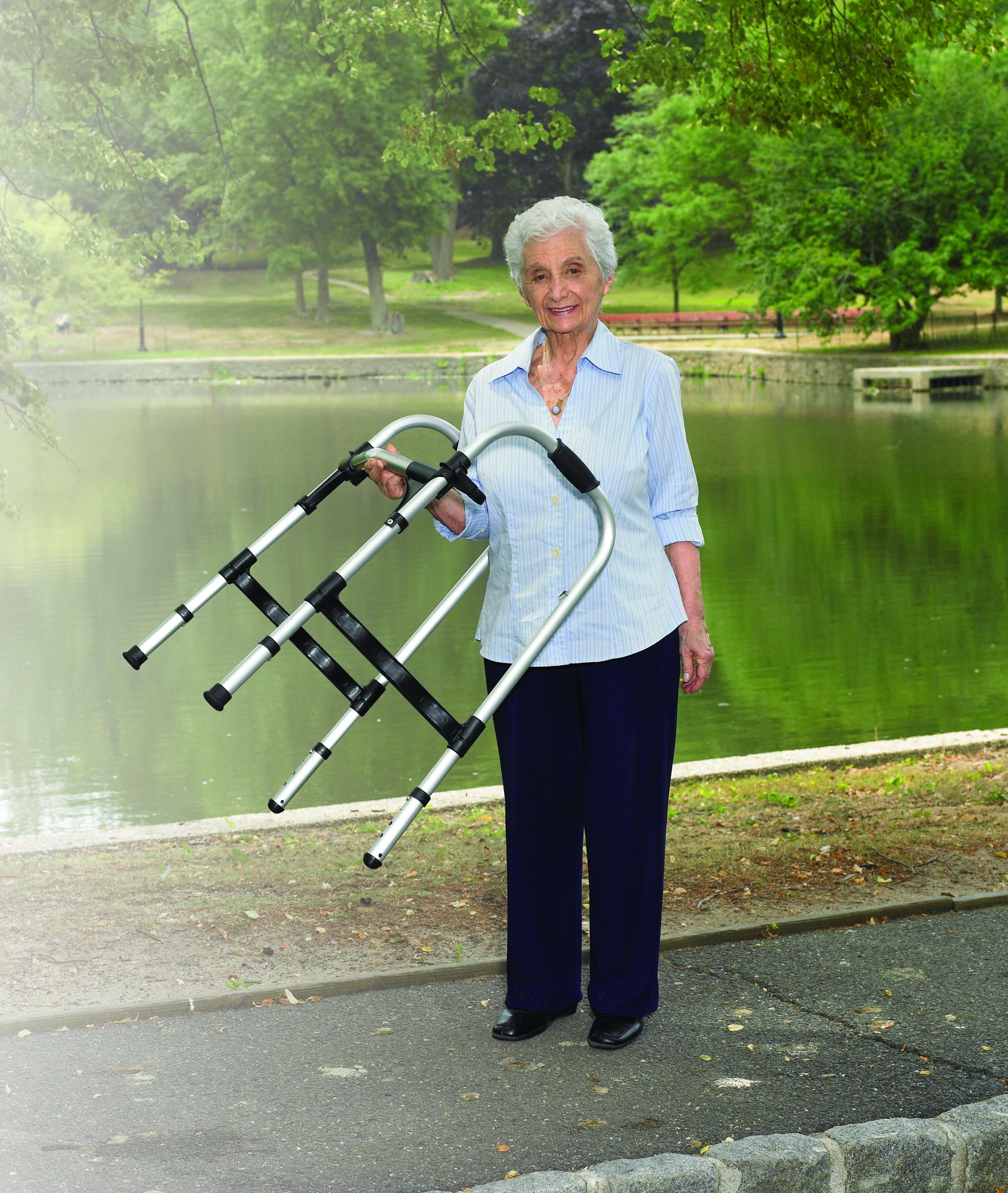 adult-light-weight-paddle-walker-10291-drive-medical-5.jpg