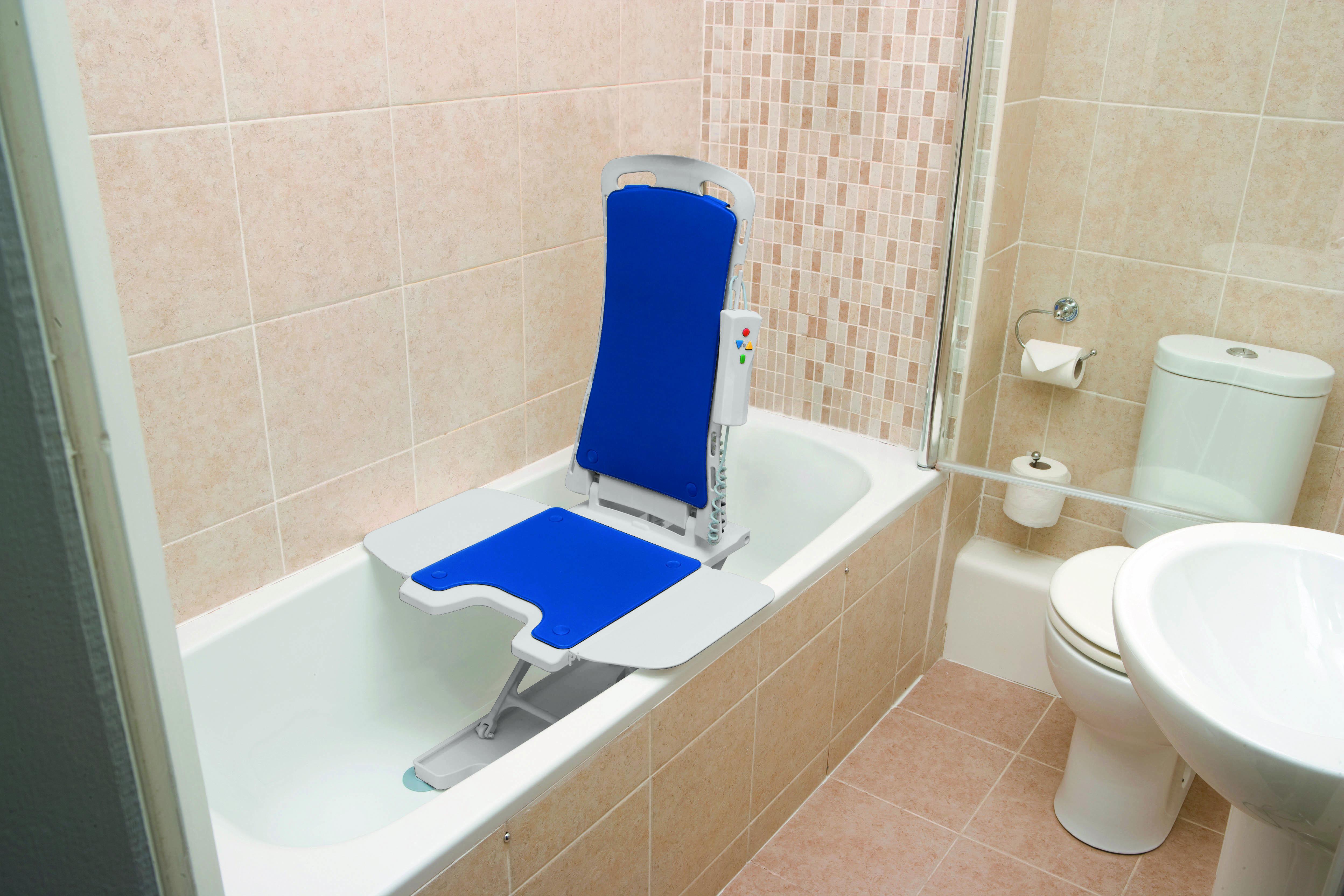 whisper-automatic-bath-lift-477150312-drive-medical-3.jpg