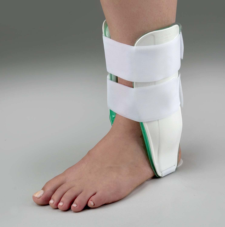 air-cast-ankle-brace-training-adult-right-630-6825-0082-lr.jpg