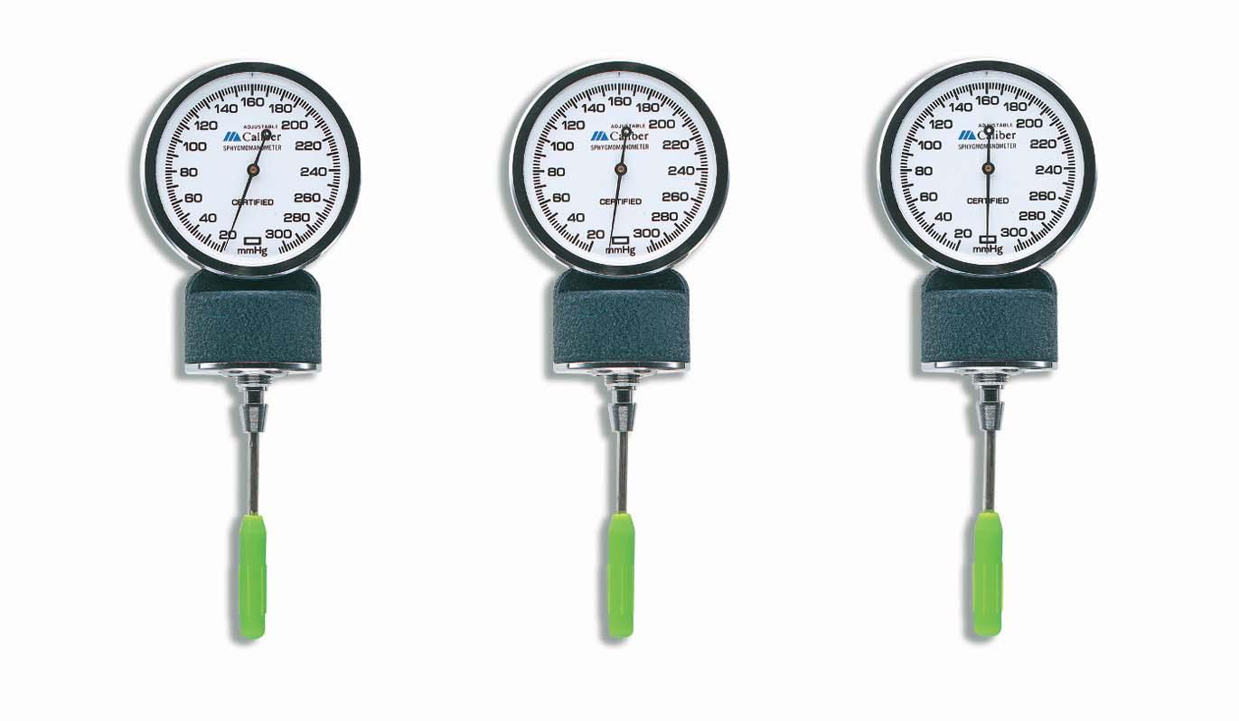 caliber-adjustable-aneroid-sphygmomanometer-blue-nylon-cuff-infant-01-133-013-lr-3.jpg